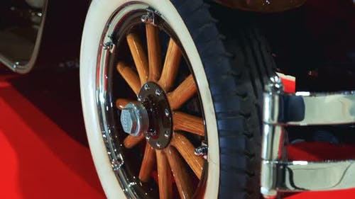 Exclusive Design of Retro Car Wheel