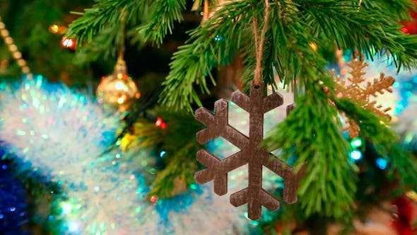 Cover Image for Christmas Wooden Snowflake