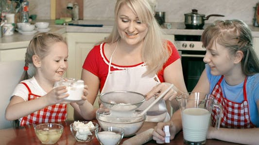 Thumbnail for Bolting Flour