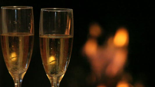 Cover Image for Flutes with champagne