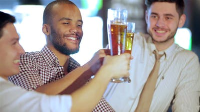 Four Friends Struggle On Their Hands Drink Beer