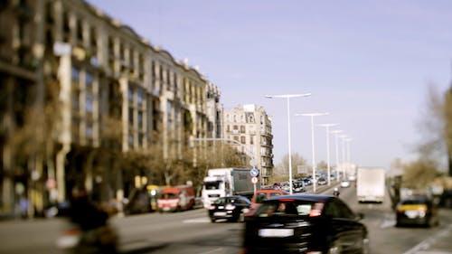 Barcelona Tilt 00
