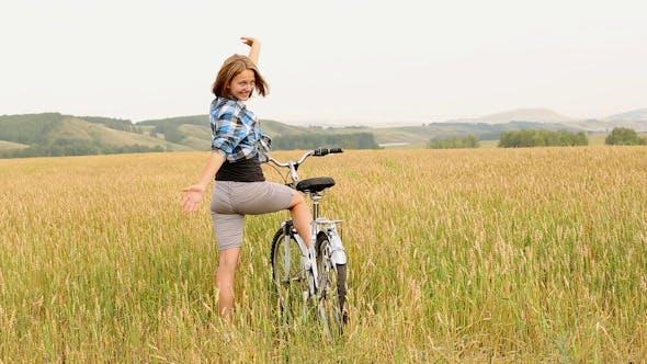 Thumbnail for Mädchen mit Fahrrad 2