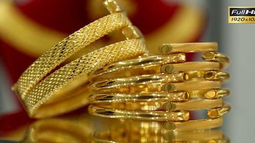Gold Bracelet closeup, Rotating