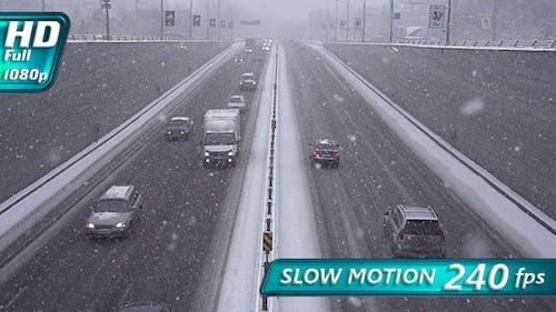 Snowfall and Traffic