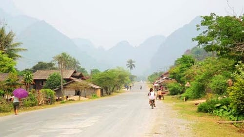 Easygoing Daily Life of Vang Vieng, Laos 14