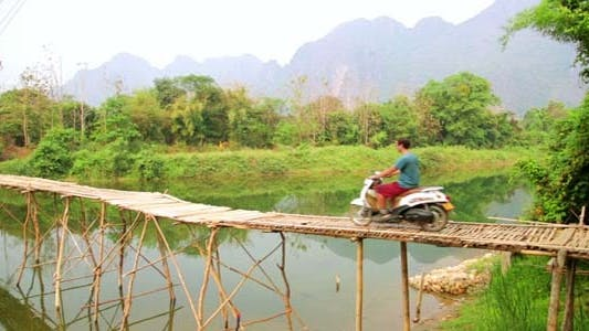 Thumbnail for Easygoing Daily Life of Vang Vieng, Laos 12