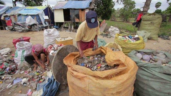 Thumbnail for Slums at Phnom Penh City Dumping Area 46
