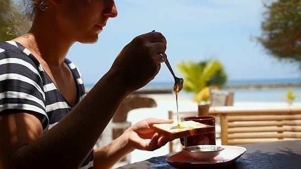 Thumbnail for Breakfast near Sea