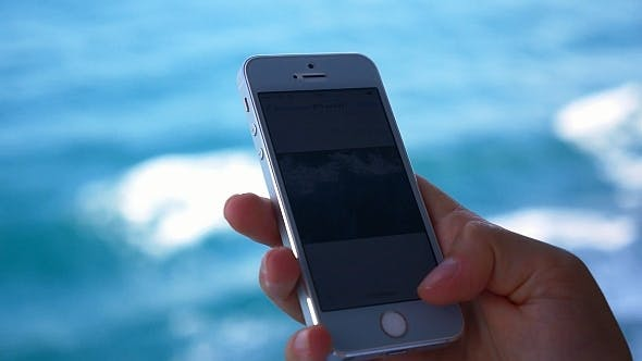 Thumbnail for Using SmartPhone on a Boat