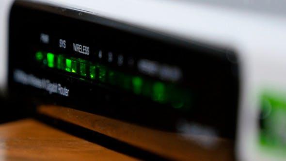 Thumbnail for Wi-Fi Modem Lights Flashing