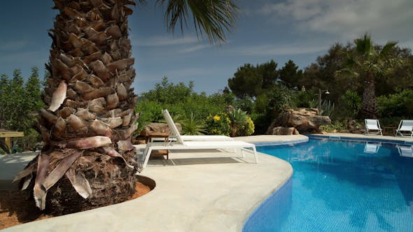 Cover Image for Luxury Private Swimming Pool 3