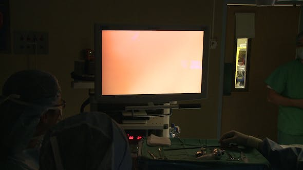 Thumbnail for Laparoscopic Camera Moves Into Place (3 Of 5)