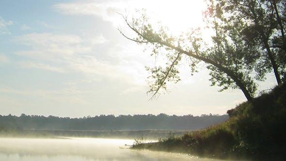 Thumbnail for Sonnenaufgang über dem Fluss