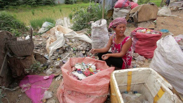 Thumbnail for Slums At Phnom Penh City Dumping Area 41