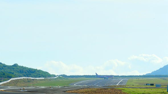Cover Image for Taxiing