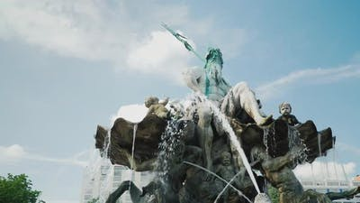 Static Shot: The Neptune Fountain Is in the Center of Berlin