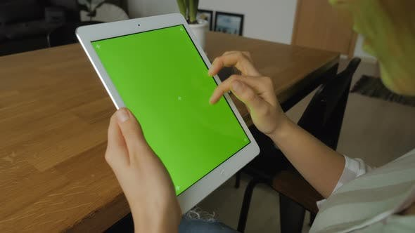 Thumbnail for Using Tablet Device With Green Screen Display