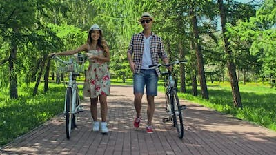 Cyclists in Love