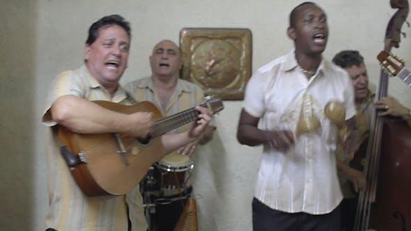 Thumbnail for Kubanische Musikband spielt Havanna Kuba 18
