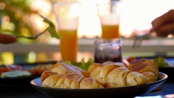 Thumbnail for Frühstück im Freien