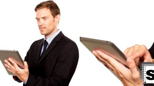 Thumbnail for Geschäftsmann mit Tablet 2