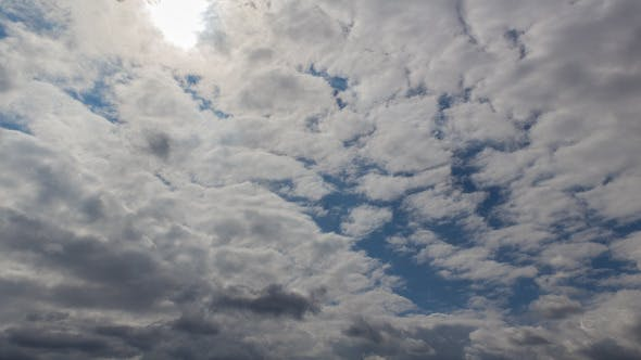 Cover Image for Clouds in Motion 9