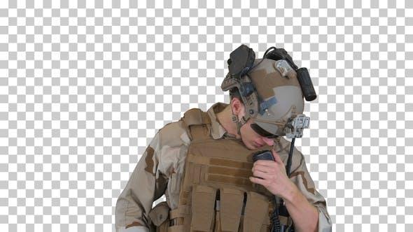 Thumbnail for Soldat spricht im Radio, Alpha Channel
