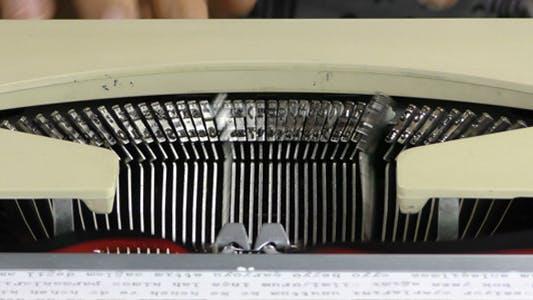 Thumbnail for Tippen auf Schreibmaschine 2