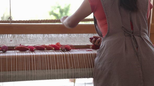 Thumbnail for Weaving Traditional Mexican Carpet 7