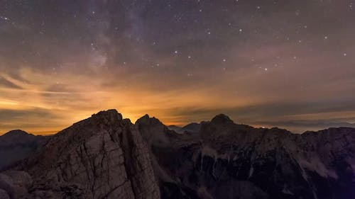 Night timelapse of the Milky Way in the mountains