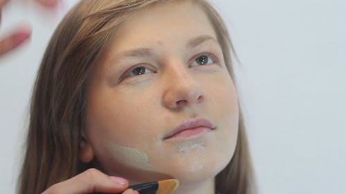 Girl Makeup Foundation