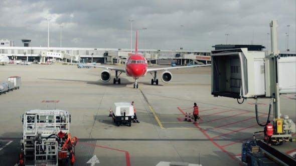 Thumbnail for Plane Arrival 02