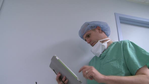 Thumbnail for Doctor Reviews Notes On Ipad (1 Of 2)