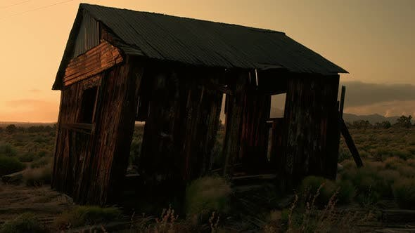 Cover Image for Abandon House At Sunset