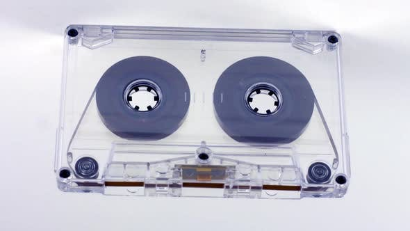 Ein Kassettenband Moving 1