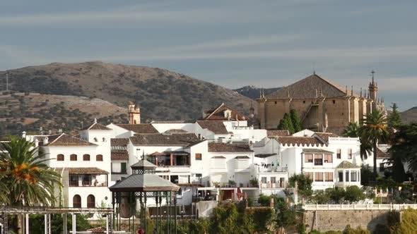 Blick auf die Schöne Stadt Ronda In Andalusien, Spanien. 8
