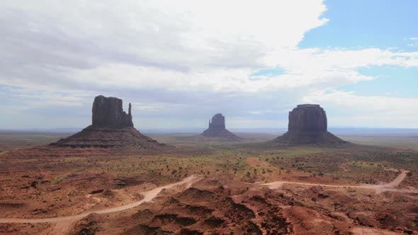 Thumbnail for Monument Valley - Pretty