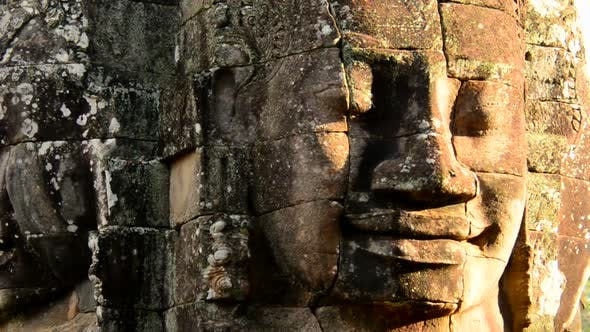 Cover Image for Zoom Out Of Stone Statue Of Buddha  - Angkor Wat, Cambodia 2