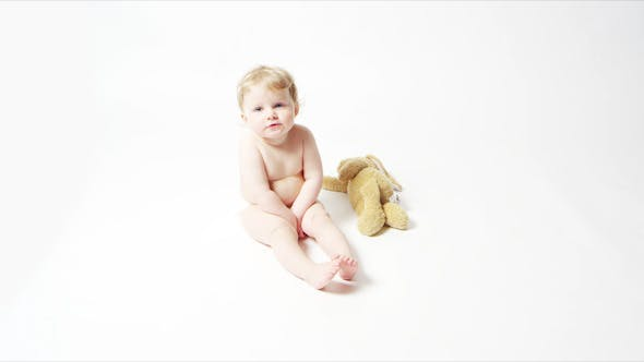 Cover Image for Blonde Baby Girl Sitting