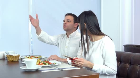 Cover Image for Waiter Bringing Wrong Bill To the Impatient Young Couple