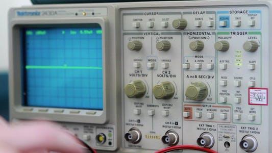 Oscilloscope | 4 Clips