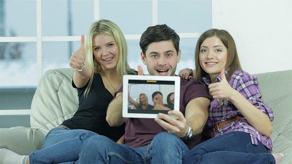 Thumbnail for Unser Selfie auf dem Tablet