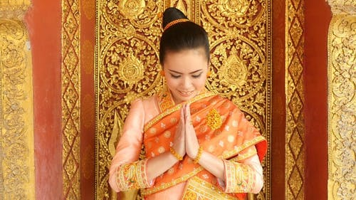 Laos Girl Hands of Pay Obeisance