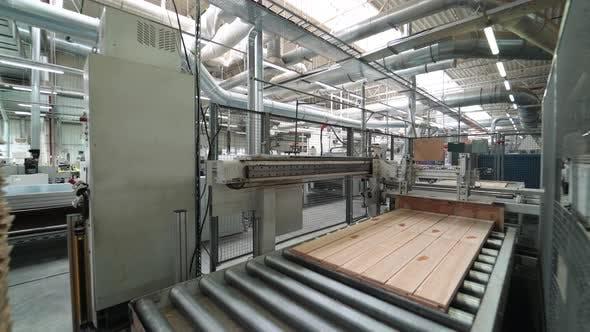 Parkettbrettumzug im Produktionswerk