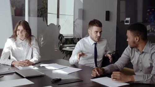 Caucasian White Man Talking Talking To African Ambassador International Partner About Business