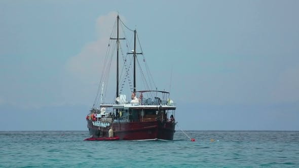 Cover Image for Diving Boat