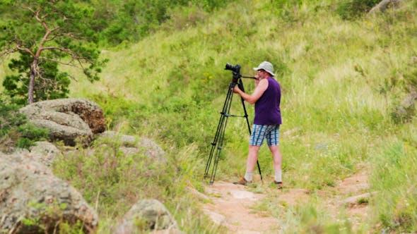 Thumbnail for Man Shoots Landscapes 1402