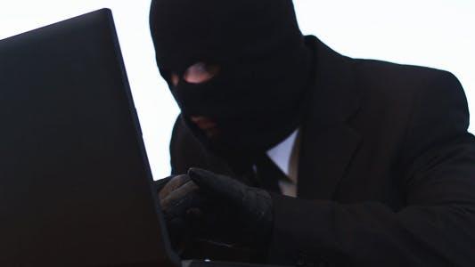 Thumbnail for Hacker Hacks a Laptop