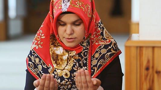 Thumbnail for Dua - Muslim Praying